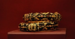 kundan bangles