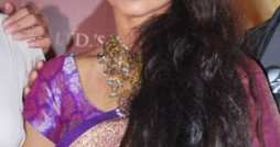 Rekha-Purple-Saree (2)