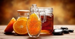 10528712-orange-and-honey--natural-spa-treatment