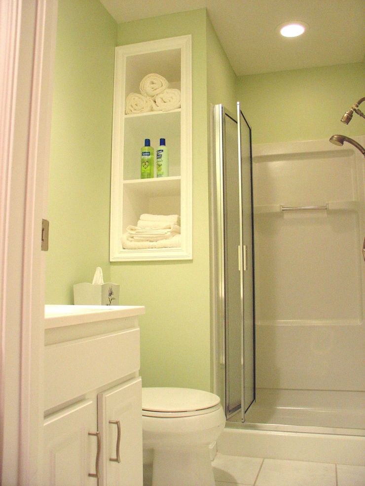 Small bathroom design layout best layout room for Small space bathroom designs