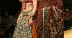 Hema Malini and Esha Deol in Rocky S Bridal