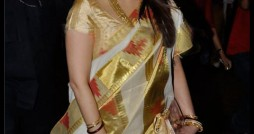 Aishwarya Rai in Pochampally-Sarees