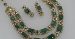 emerald and kundan set from royal jewels