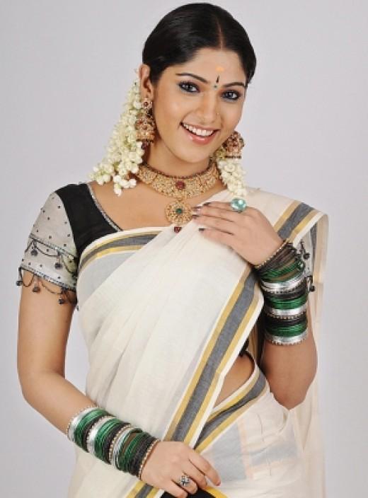 mallu actress in kerala set saree mundu