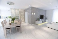 white-apartment-interiors