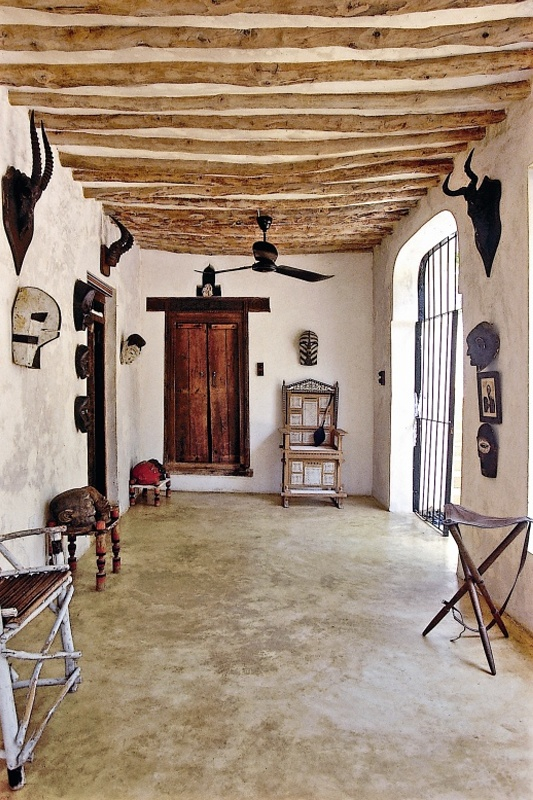 House-in-Kenya-designed-by-Marie-Paule-Pelle-in-african-arabian-style