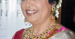 kirron-kher-off-white-kanjivaram-saree