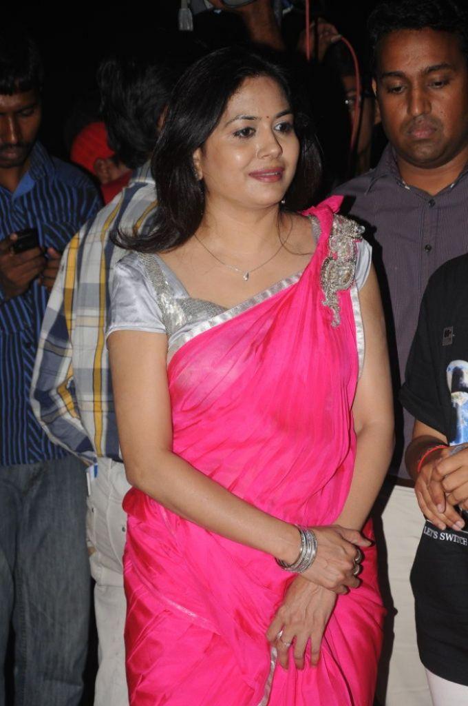 singer-sunitha-designer-sarees-collection