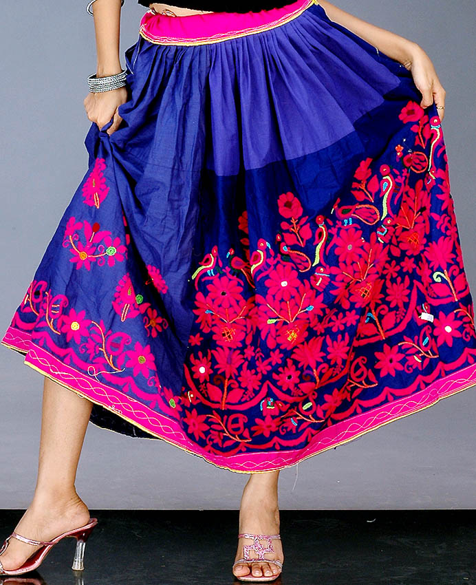 antique_kutch_embroidered_skirt_with_mirrors_yu85