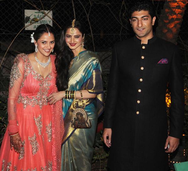 rekha-ahana-deol-s-wedding-reception_1391402045240