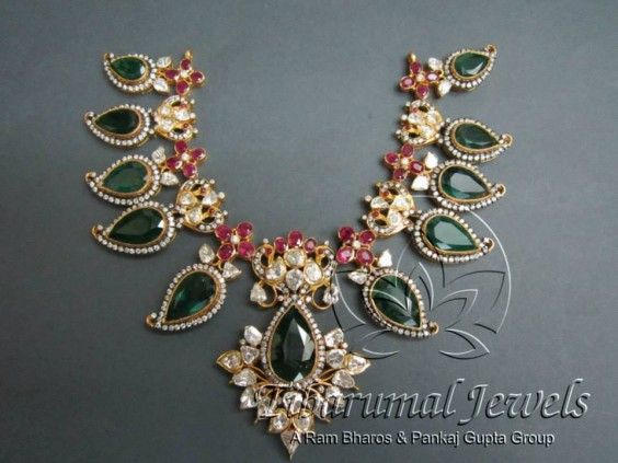 emeralds_pachis_necklace_tibarumals