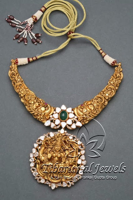 gold_emeralds__lakshmi_pendant_tibarumals