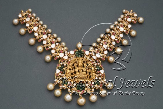 southsea_pearls_lakshmi_pendant_necklace_tibarumals