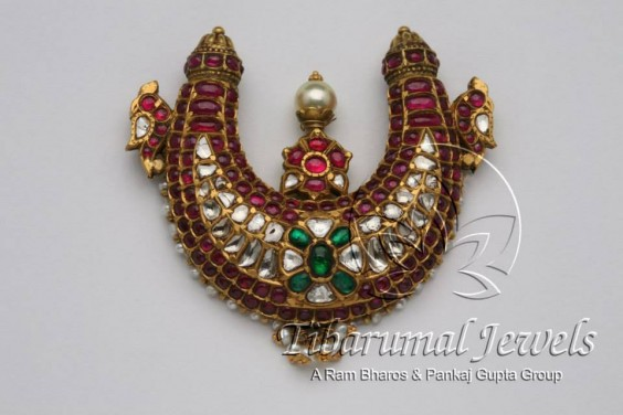 uncuts_ruby_pendant_tibarumals