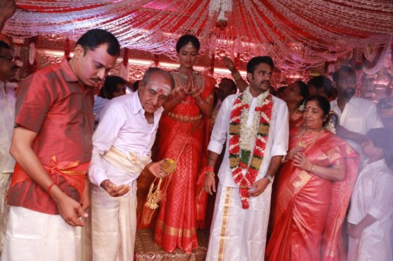 Director-Vijay-Weds-Amala-Paul-Photo-5