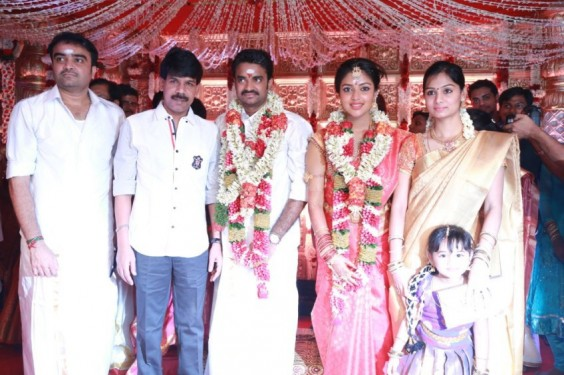 bala-and-family-At-Director-Vijay-Amala-Paul-Wedding-Photo-2