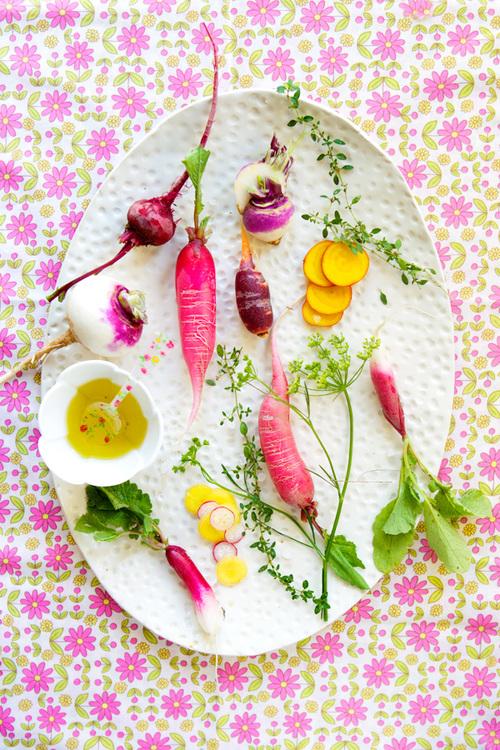 Beatrice Peltre_inspiring_food_photography_multicoloredrootvegetables