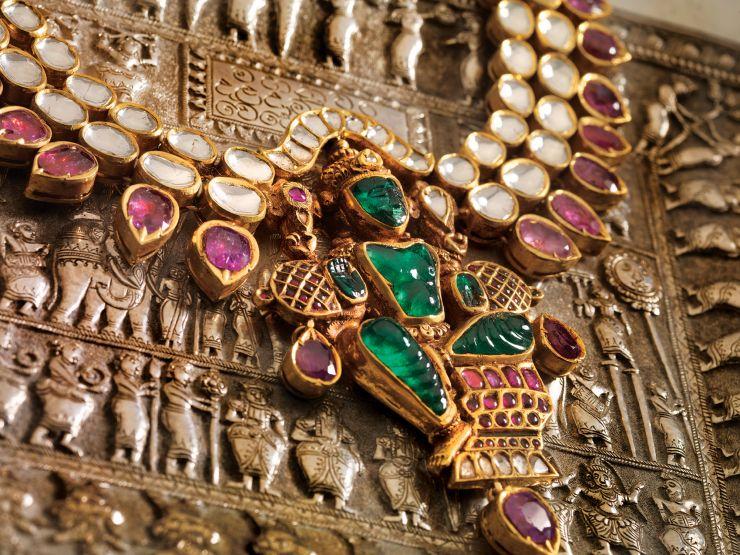 emerald_vishnu_idol_pendant_from_navrathan_jewellers