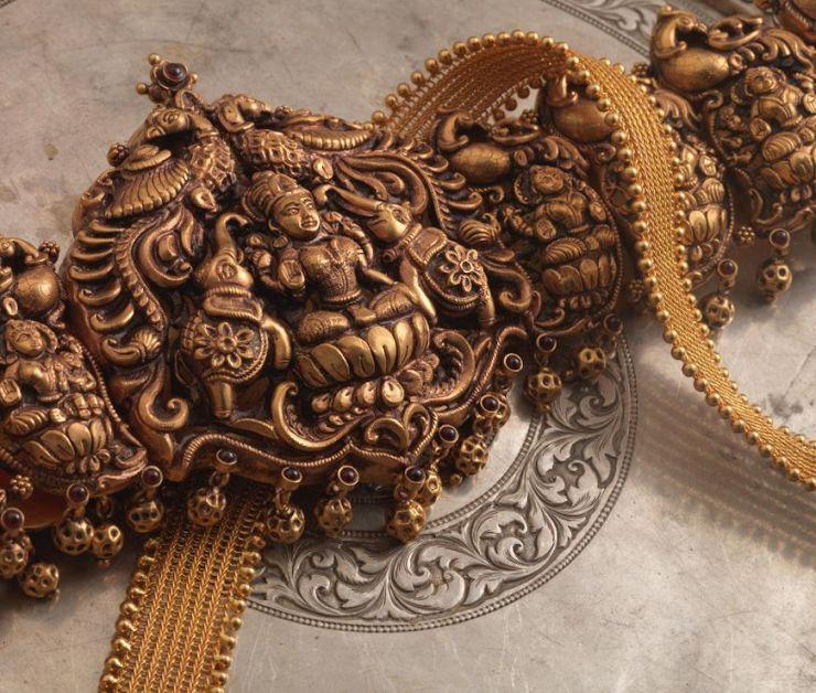 gold_lakshmi_vaddanam_from_navrathan_jewellers