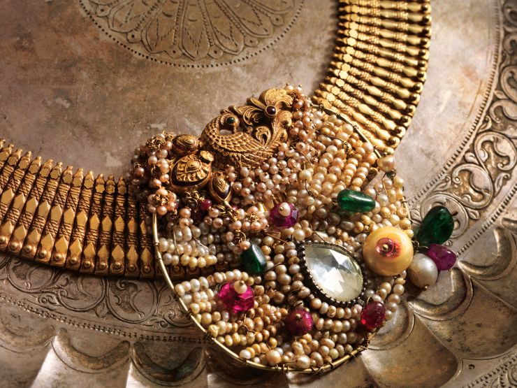 gold_necklace_with_pearl_pendant_from_navrathan_jewellers