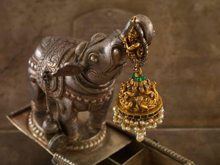krishna_jhumkas_from_navrathan_jewellers