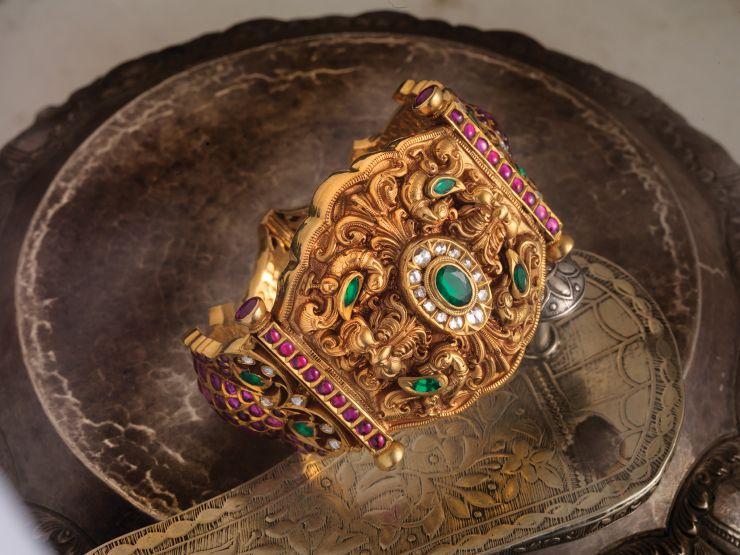 ruby_emerald_kada_from_navrathan_jewellers