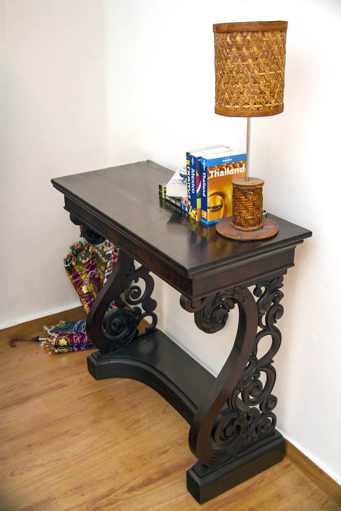dark wood mahagony antique console table