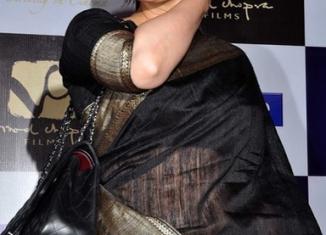 manisha koirala in parinda with black raw silk sari